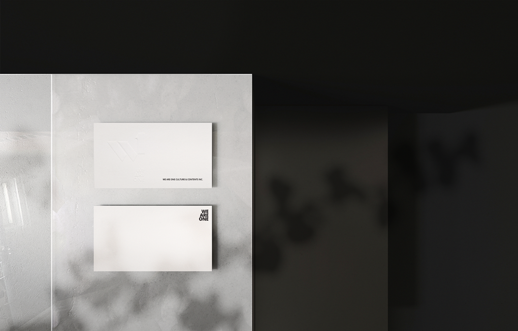 Business_Card_mockup_3.png